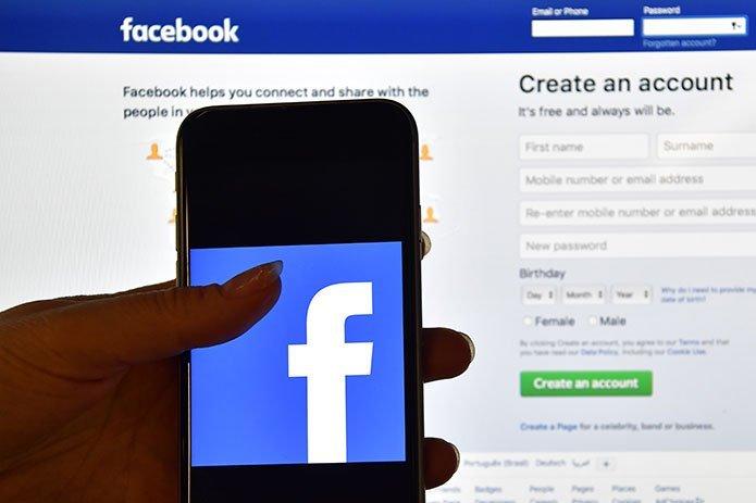 Facebook, dedo