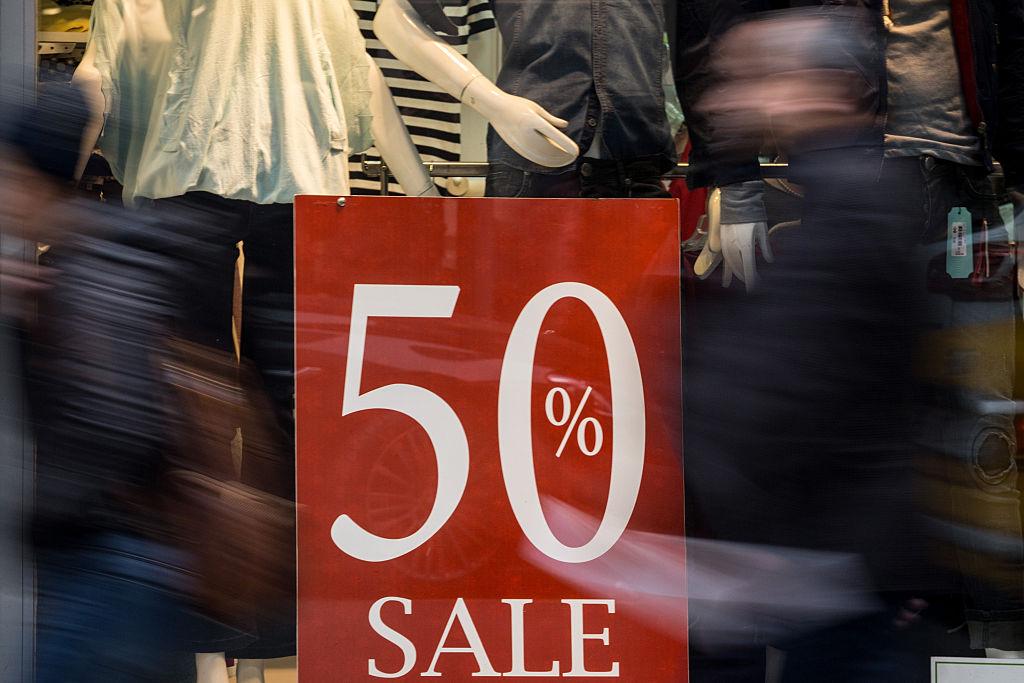 El Gobierno prohíbe las rebajas en las tiendas para evitar aglomeraciones