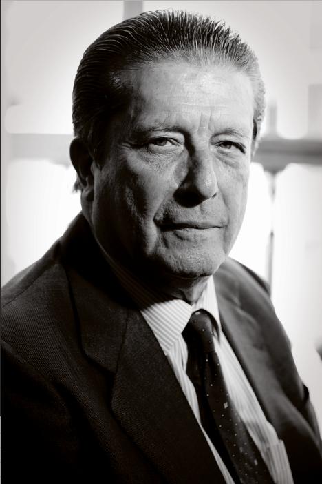 Federico Mayor Zaragoza alto funcionario y político