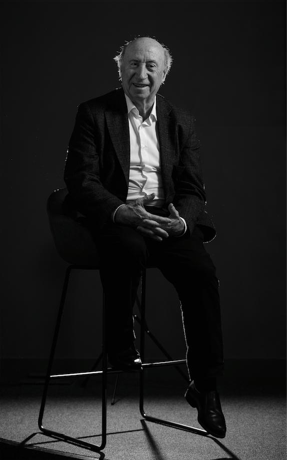 José María Pérez González, Peridis, dibujante y escritor