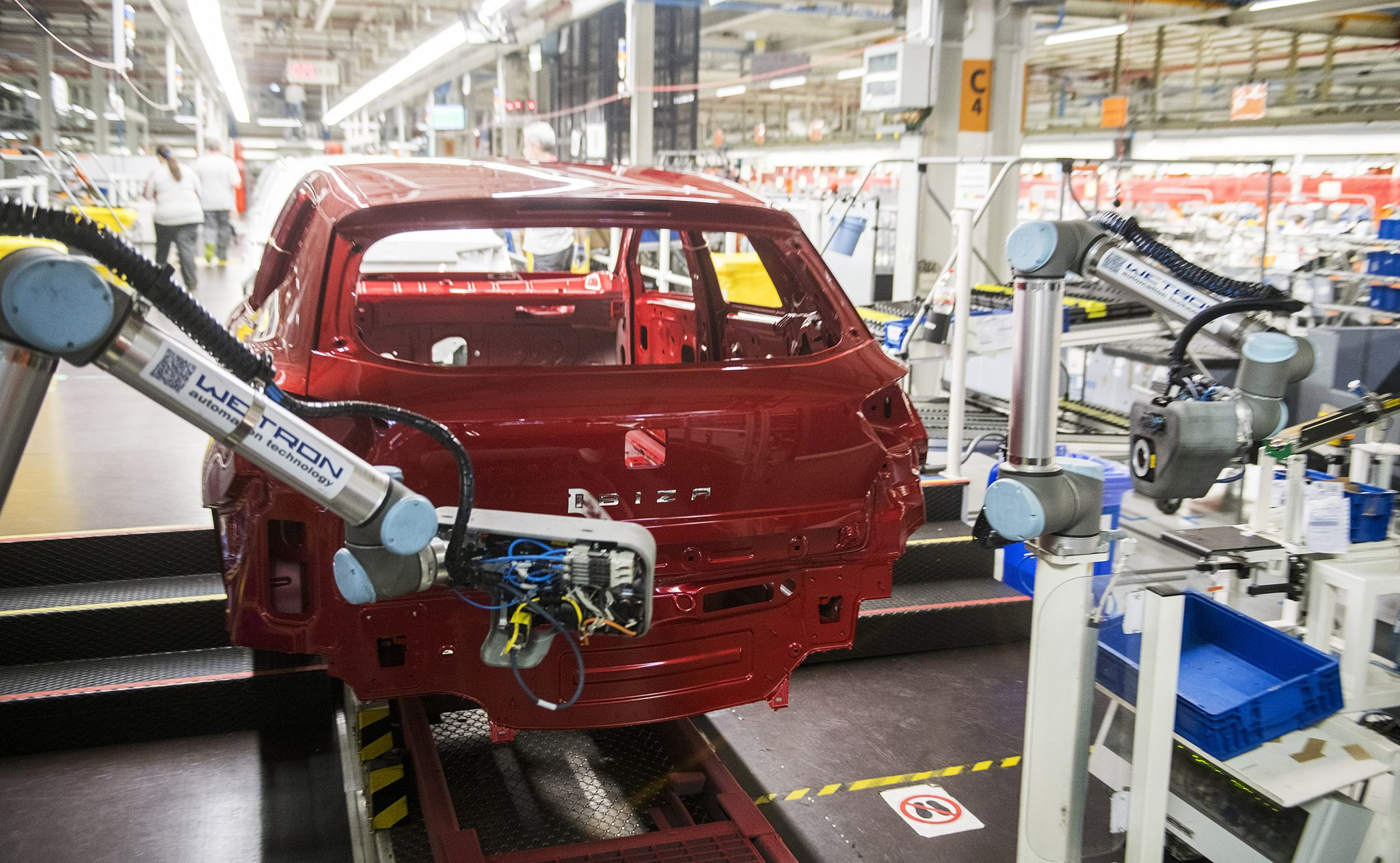 El robot colaborativo que da nombre a los coches de Seat