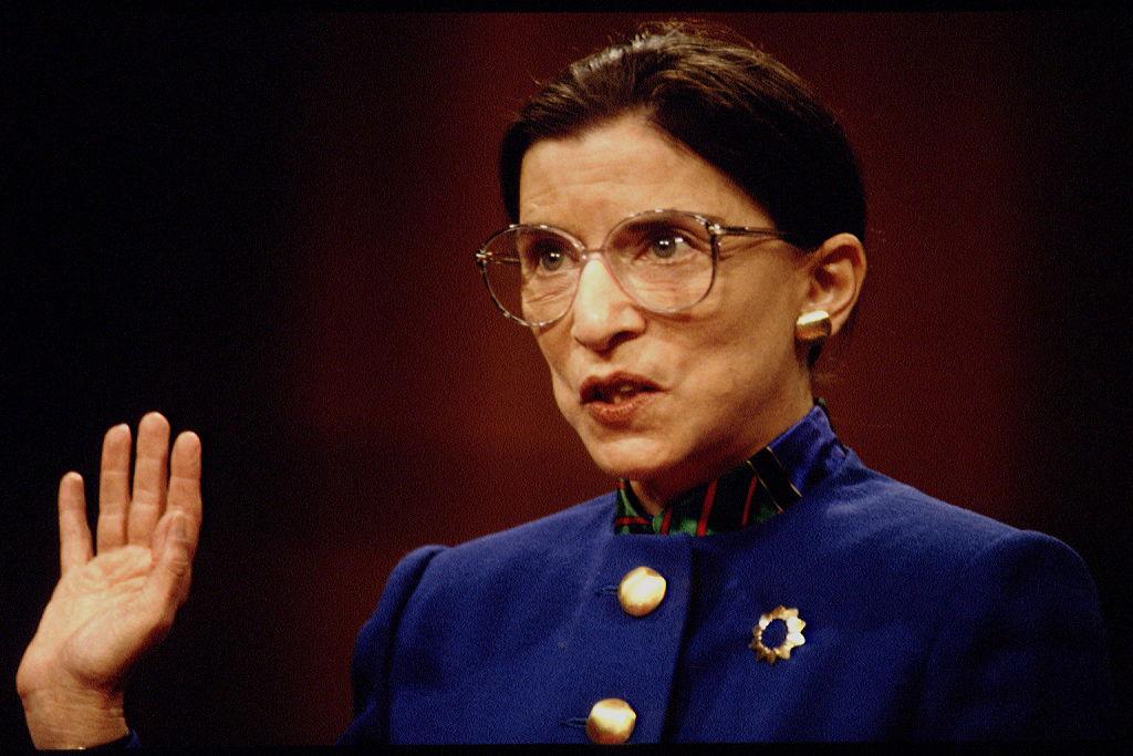 Así fue la vida de Ruth Bader Ginsburg, la jueza pionera en defender los derechos de la mujer