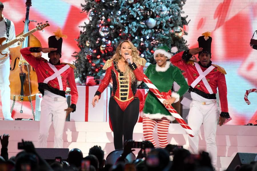 La cantante Mariah Carey en una de sus actuaciones del tour 'All I Want For Christmas Is You' en el Madison Square Garden de Nueva York.