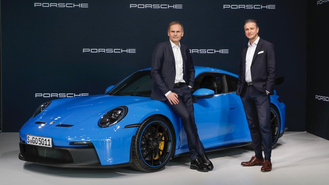 Oliver Blume, presidente del consejo de dirección de Porsche AG. Lutch Meschke Vicepresidente y miembro del consejo de dirección de finanzas de Porsche AG en la Conferencia de Prensa anual Porsche AG.