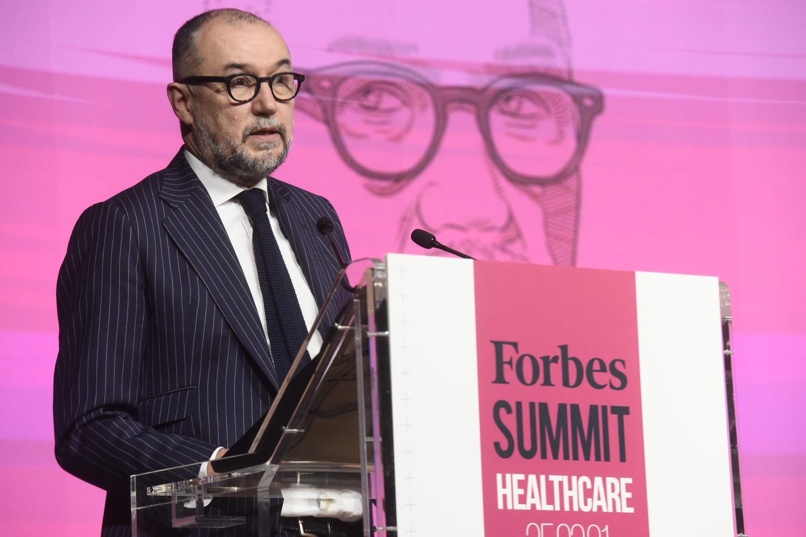 Andrés Rodríguez, editor y director de Forbes, durante el discurso inaugural del cuarto Forbes Summit Healthcare.