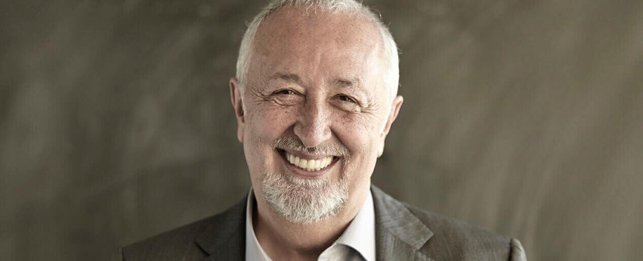 Miguel Angel Furones, escritor y creativo publicitario