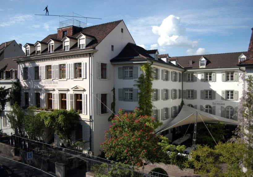 Gastronomía en el Teufelhof, Basilea. Turismo Suiza