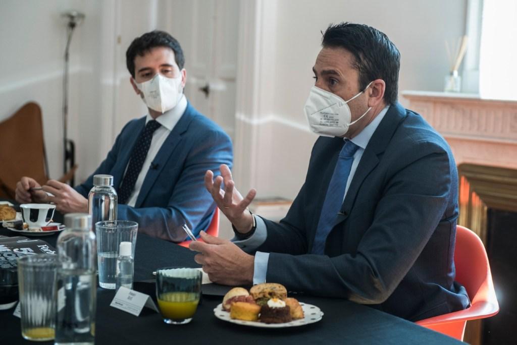 Pinilla y Mercado durante un momento del desayuno Forbes Talks. (Luis Camacho)