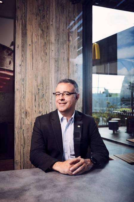 El director general de McDonald's España, Luis Quintiliano retratado en exclusiva el pasado 29 de abril en uno de los restaurantes de la cadena. Foto: Jacobo Medrano