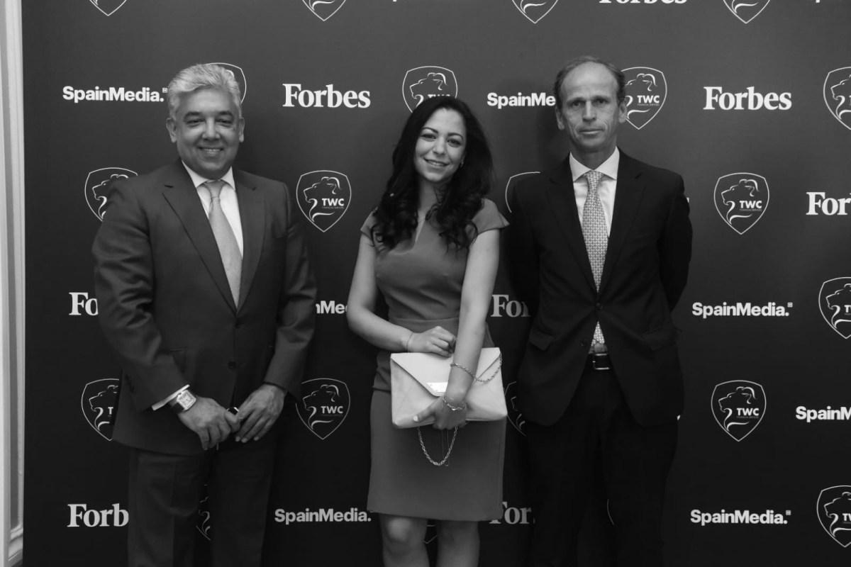 Baihas Baghdadi, CEO y Fundador de TWC; Luna Al Chawa, Dpto. Marketing & Advisory Board Secretariat de TWC; y Ricardo Zión, Managing Director de TWC. Foto: Luis Camacho