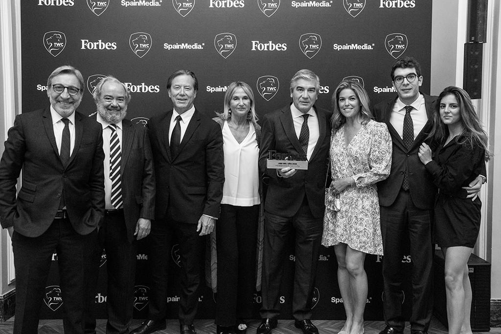 Francisco Reynés, Presidente y CEO de Naturgy, recogió el Premio Mejor CEO 2020 acompañado por su familia. Foto: Luis Camacho