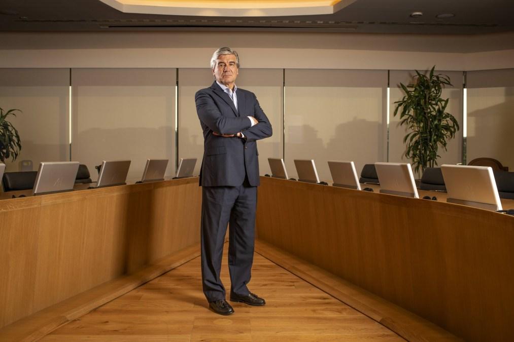 Francisco Reynés posa para FORBES. (Fotografía: Sofía Moro)