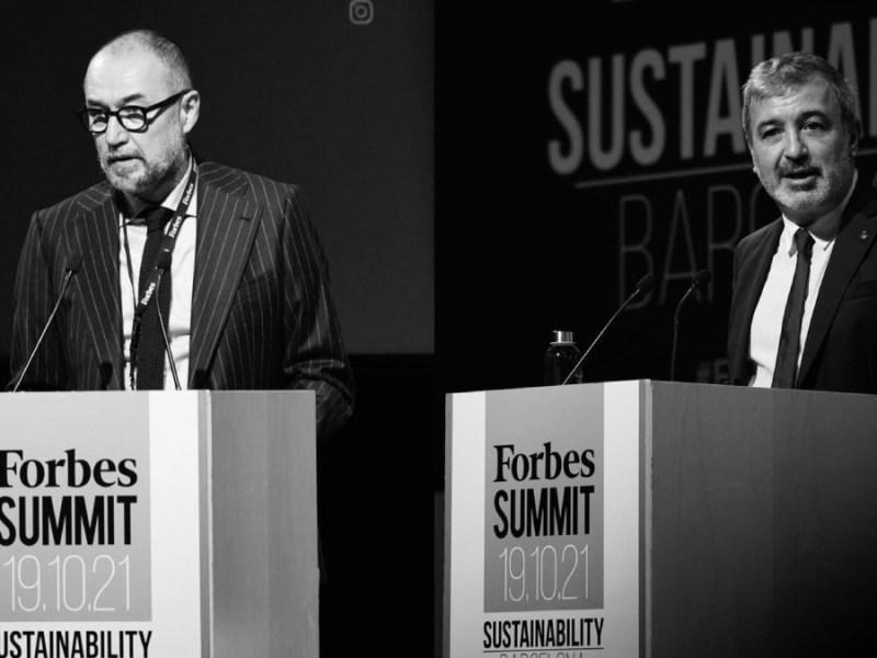 Andrés Rodríguez, presidente de SpainMedia y editor de Forbes España (izq.), y Jaume Collboni, primer teniente de alcalde del Ayuntamiento de Barcelona (drch.), durante sus intervenciones en el primer FORBES Summit Sustainability Barcelona 2021. (Foto: Joan Mateu Parra)